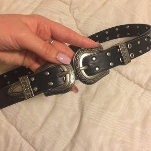 Accessories - Trendy black belt size small